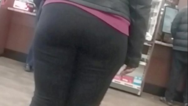 Yoga pants, Candid