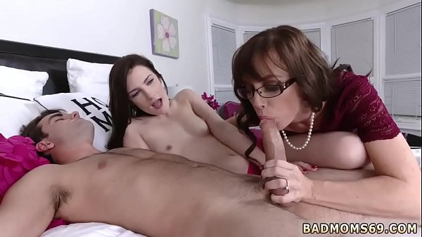 Pale, Mom milf