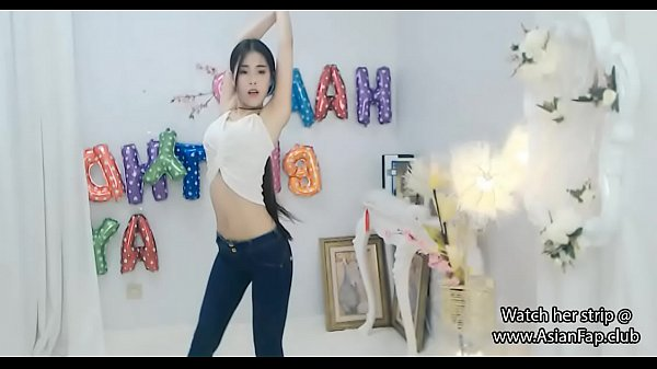 Dancing, Chinese cam