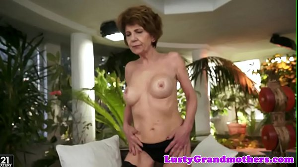 Closeup, Hairy granny, Pussylicking