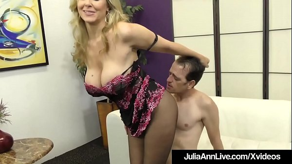 Julia, Julia ann, Foot slave