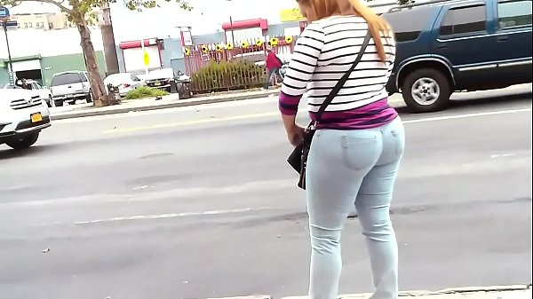 Jeans, Candid